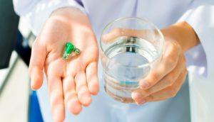 Прием антибиотиков перед менструацией и во время месячных