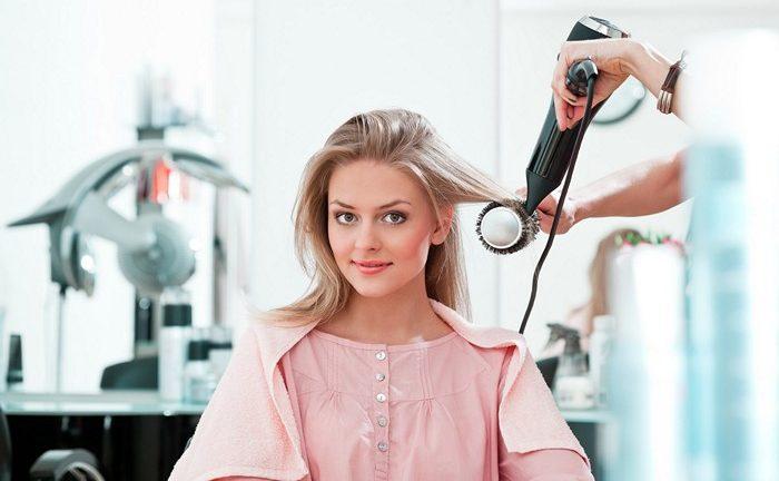 В каких случаях можно при менструации красить волосы