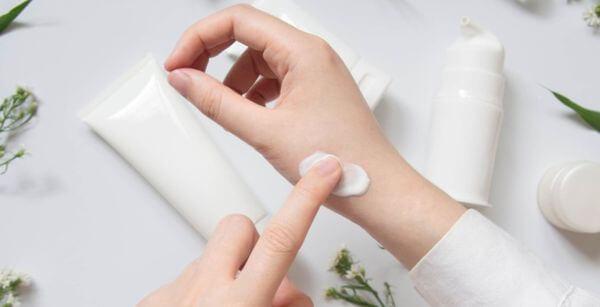 Причины аллергии на косметику